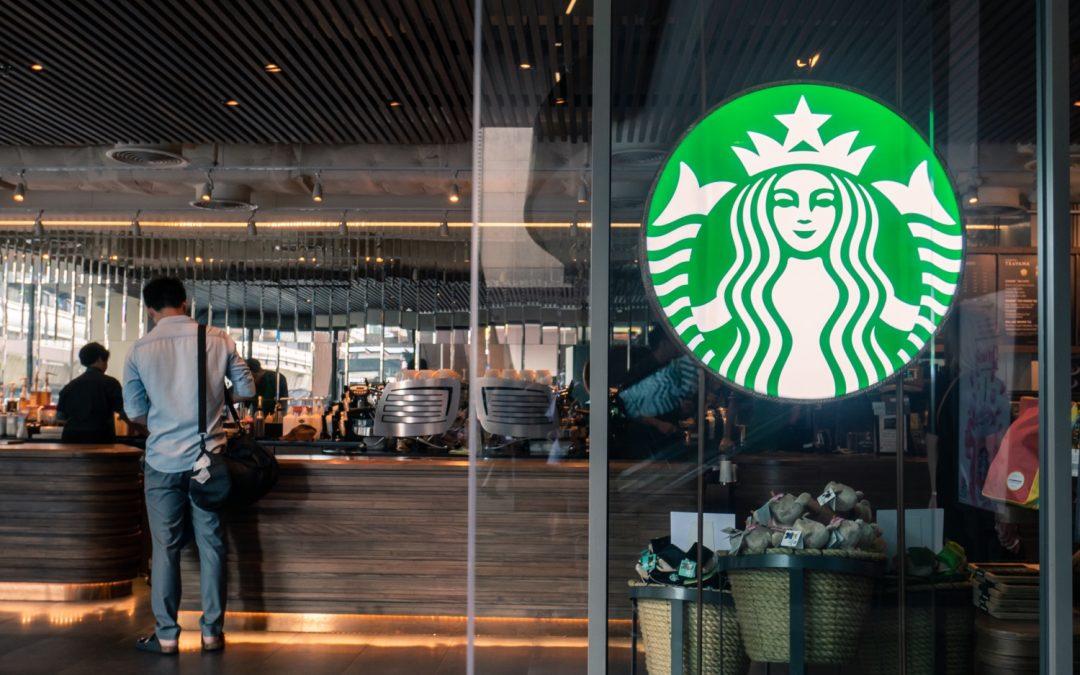 Starbucks bloque la pornographie sur son WiFi grâce à un filtre